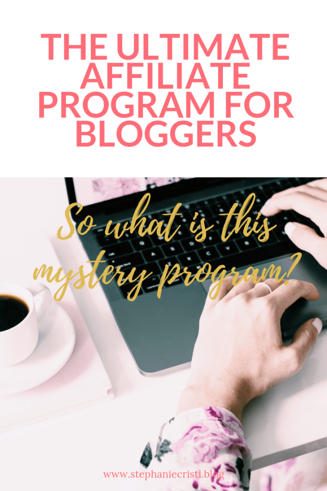 Whether you\'re a blogger, vlogger, or influencer, the Ultimate Bundles affiliate program is the top way to earn cash while being helpful to your viewers.  #affiliateprograms #bloggers