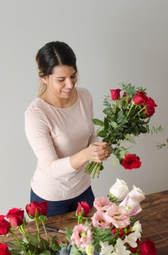valentine florist Ottawa Valentine's Day flowers bouquet red roses workshop February 14