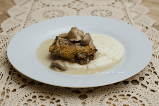 salisbury-steak-mushroom-gravy-sauce-keto-friendly-ottawa-food-blogger-photographer-vintage-lace-doily