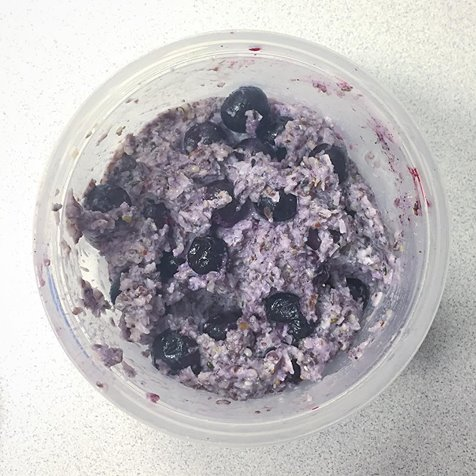 stephanie de montigny ottawa blogger keto noatmeal flax coconut flour hemp hearts chia seeds blueberries