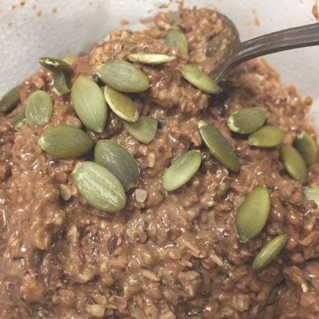 stephanie de montigny ottawa blogger keto noatmeal flax coconut flour hemp hearts chia seeds pumpkin chocolate