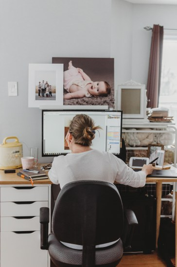 Naptime Priorities Of Motherhood (& My Top 7 Productivity Tools for Bosses)