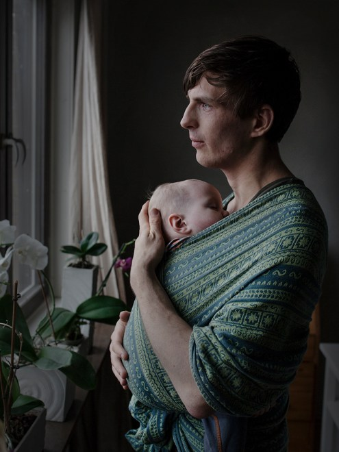 Sweden has one of the most generous parenteral leave system in the world. The current system enables parents to stay at home with their child for a total of 480 days, while receiving an allowance from the state. Sixty of these days are allotted to each parent, and a new proposal aims to increase this by a further thirty days. The purpose of this allocation is to promote gender equality. In order to encourage men and women to share their parental leave more equally, a so-called Ôequality bonusÕ has also been introduced. The more days divided equally between parents, the higher the bonus. In spite of this generous allowance and unique bonus, only a fraction of SwedenÕs fathers use all their sixty days of parental leave. Only fourteen per cent of parents choose to share the days equally. This photo essay is based on portraits of dads who belong to that small percentage who choose to stay at home with their child for at least six months. With this project, I want to find out why these men have chosen to stay at home so much longer than the majority of Swedish dads. What has it done for them, how have their relationships with their partner and their child changed, and what expectations did they have before taking parental leave? There are two aims to this project. The first is to describe the background to SwedenÕs unique parental allowance. The second is to inspire other fathers Ð in Sweden, and further afield Ð to consider the positive benefits of such a system.