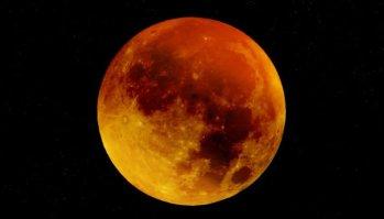 bloed-maan-rode-maan-moon-963926_1280-715x408
