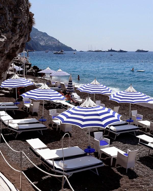 music-on-the-rocks-positano-italy-travel-photography-blue-umbrella-wall-art-print