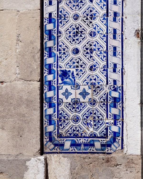 lisbon-blue-pattern-tile-wall-art