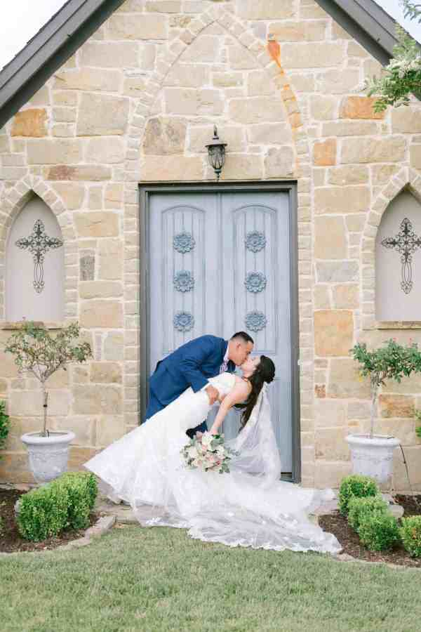 just married at Thistlewood manor & gardens wedding