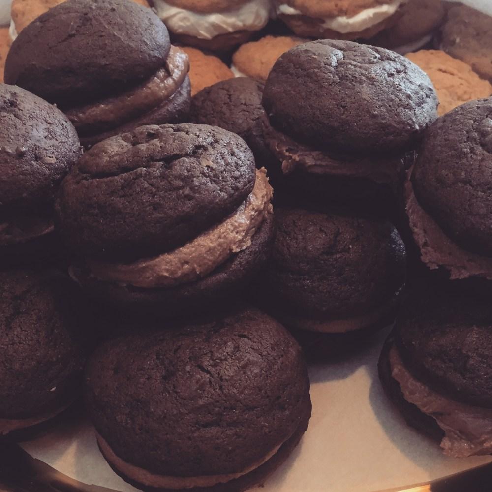 chocolate-nutell-whoopie-pies