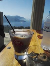 Und bei Bella Vista auch einmal einen Cappuccino Freddo.