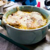 Vegetarian Slow Cooker French Onion Soup