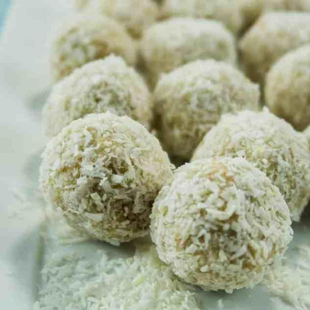 5 Ingredient No Bake Snowball Cookies