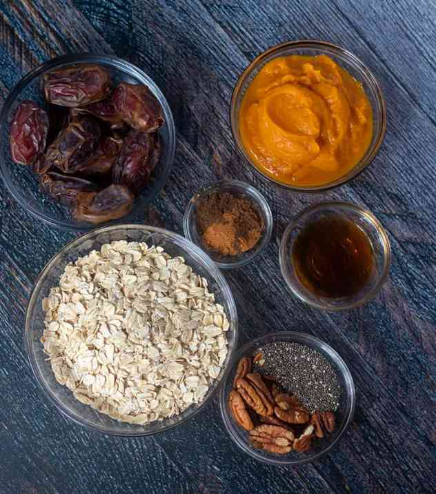dates, pumpkin puree, rolled oats, spices, pecans, chia seeds, maple syrup, vanilla extract.