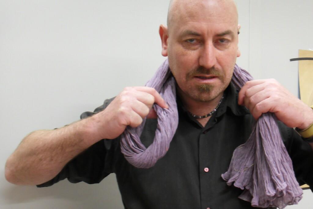 paris style scarf tie