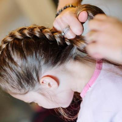 Norfolk wedding photographer – flower girl hair