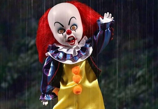 Pennywise como Living Dead Dolls