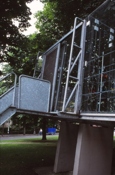 Groningen Glass Video Gallery by Bernard Tschumi 05_Stephen Varady Photo ©