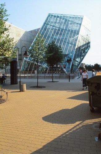 UFA Cinema Centre by Coop Himmelb(l)au 02_Stephen Varady Photo ©