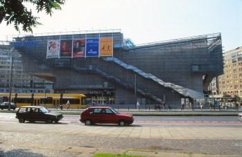 UFA Cinema Centre by Coop Himmelb(l)au 10_Stephen Varady Photo ©