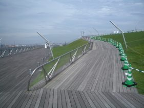 Yokohama Port Terminal by Foreign Office Architects 49_Stephen Varady Photo ©
