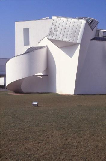Vitra Design Museum by Frank Gehry 18_Stephen Varady Photo ©
