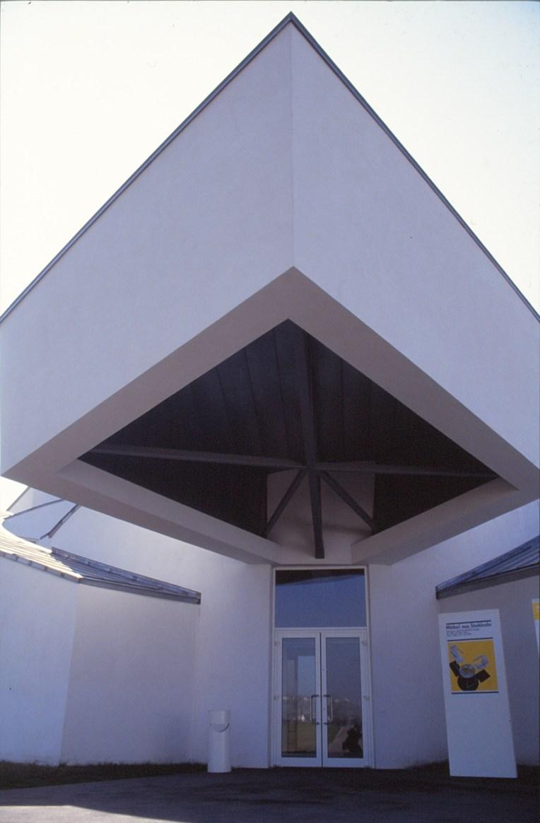 Vitra Design Museum by Frank Gehry 28_Stephen Varady Photo ©