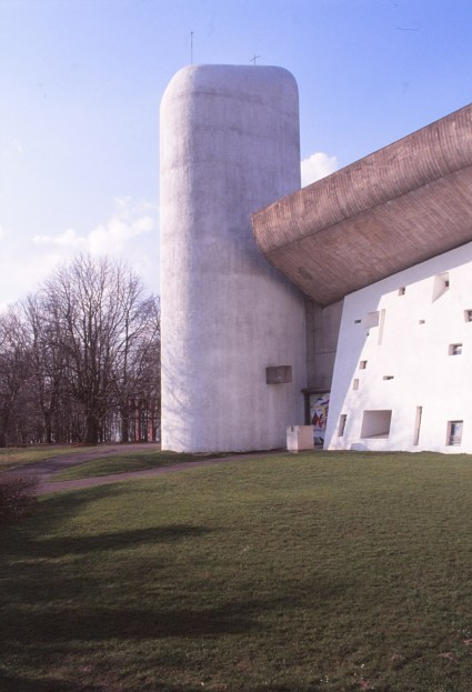 ronchamp-chapel-by-le-corbusier-22_stephen-varady-photo