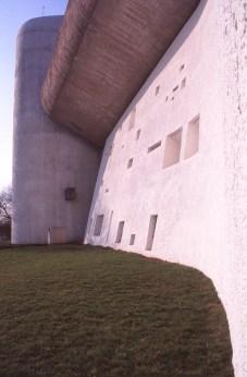 ronchamp-chapel-by-le-corbusier-23_stephen-varady-photo