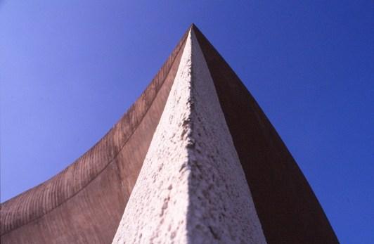 ronchamp-chapel-by-le-corbusier-32_stephen-varady-photo