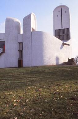 ronchamp-chapel-by-le-corbusier-48_stephen-varady-photo