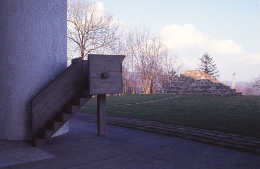 ronchamp-chapel-by-le-corbusier-81_stephen-varady-photo