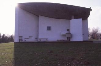 ronchamp-chapel-by-le-corbusier-84_stephen-varady-photo