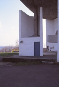 ronchamp-chapel-by-le-corbusier-90_stephen-varady-photo
