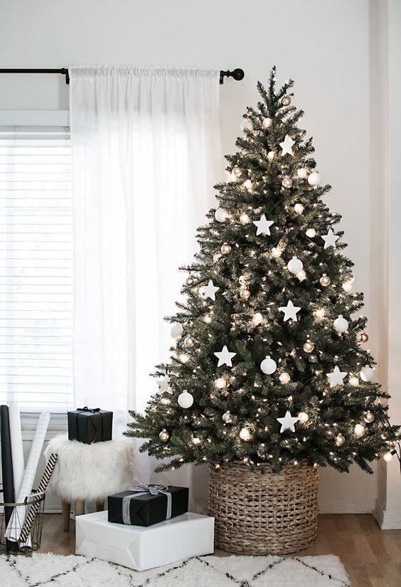 white-silver-chrismtas-tree