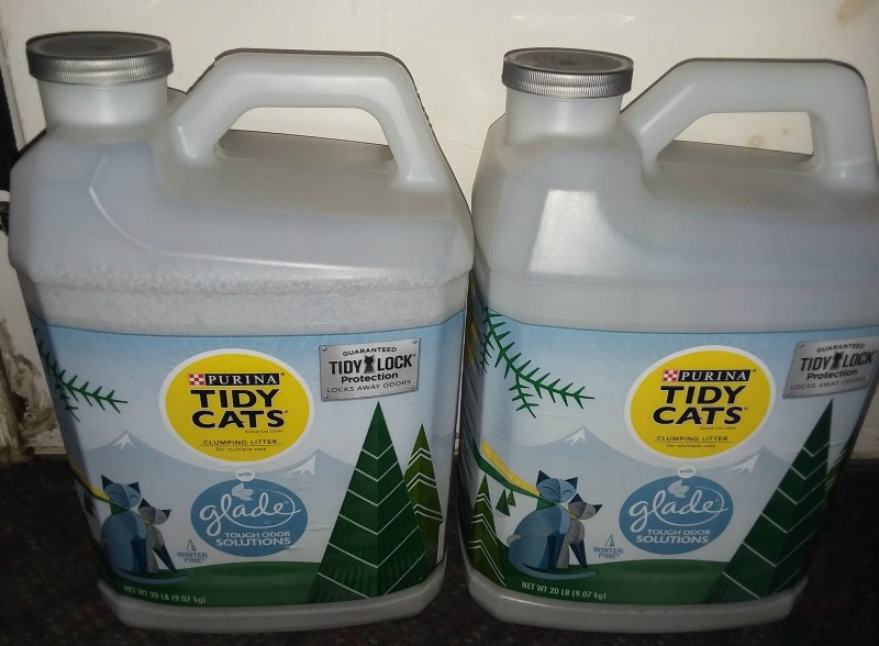 Chewy Influencer: Tidy Cats Glade Winter Pine Clumping Cat Litter