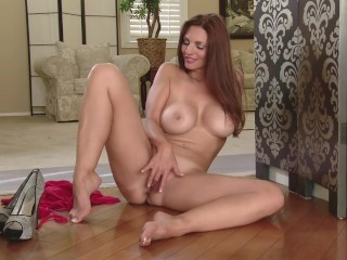 Stepmother Plays With Her Pussy