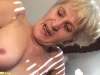 fingering a  years old hairy mom