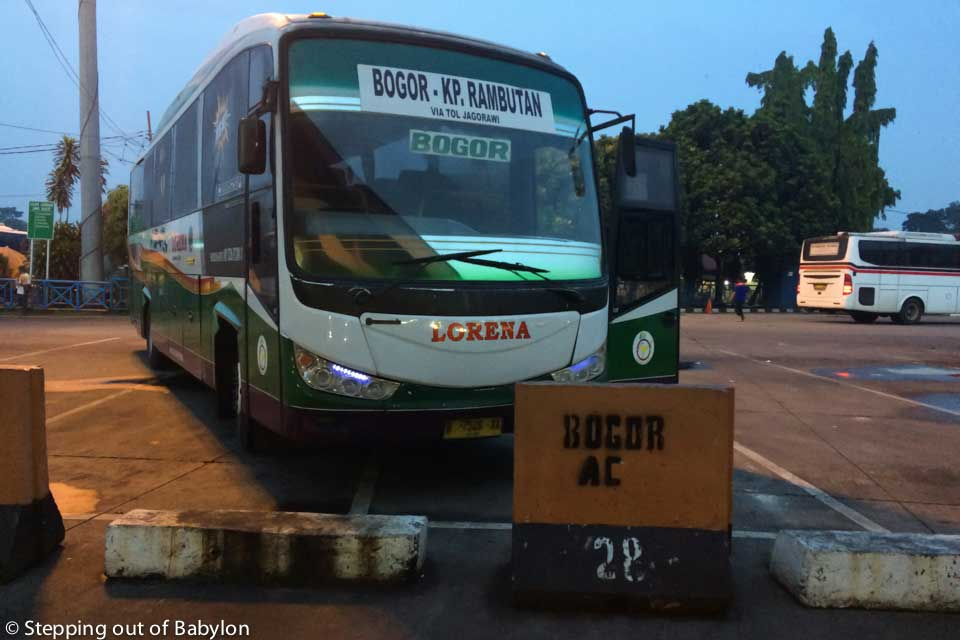 How to go from Jakarta (Kampung Rambutan) to Bogor by bus