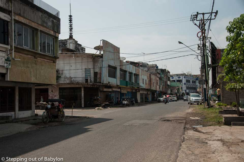 Bandar Lampung... a ghost town at day time during the Ramadan