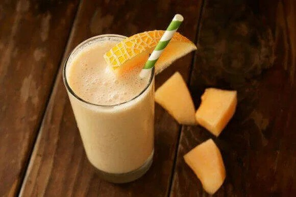 Melon and carrot smoothie
