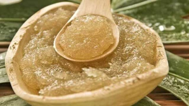 Olive oil and sugar treatment
