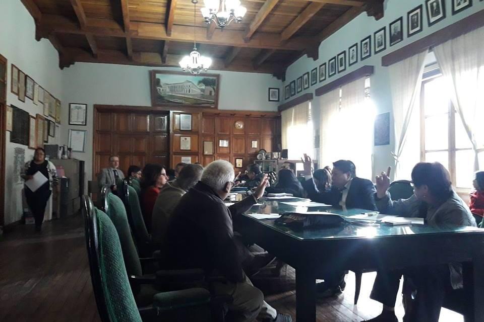 Comuna quetzalteca abre las puertas al aumento de la energía eléctrica
