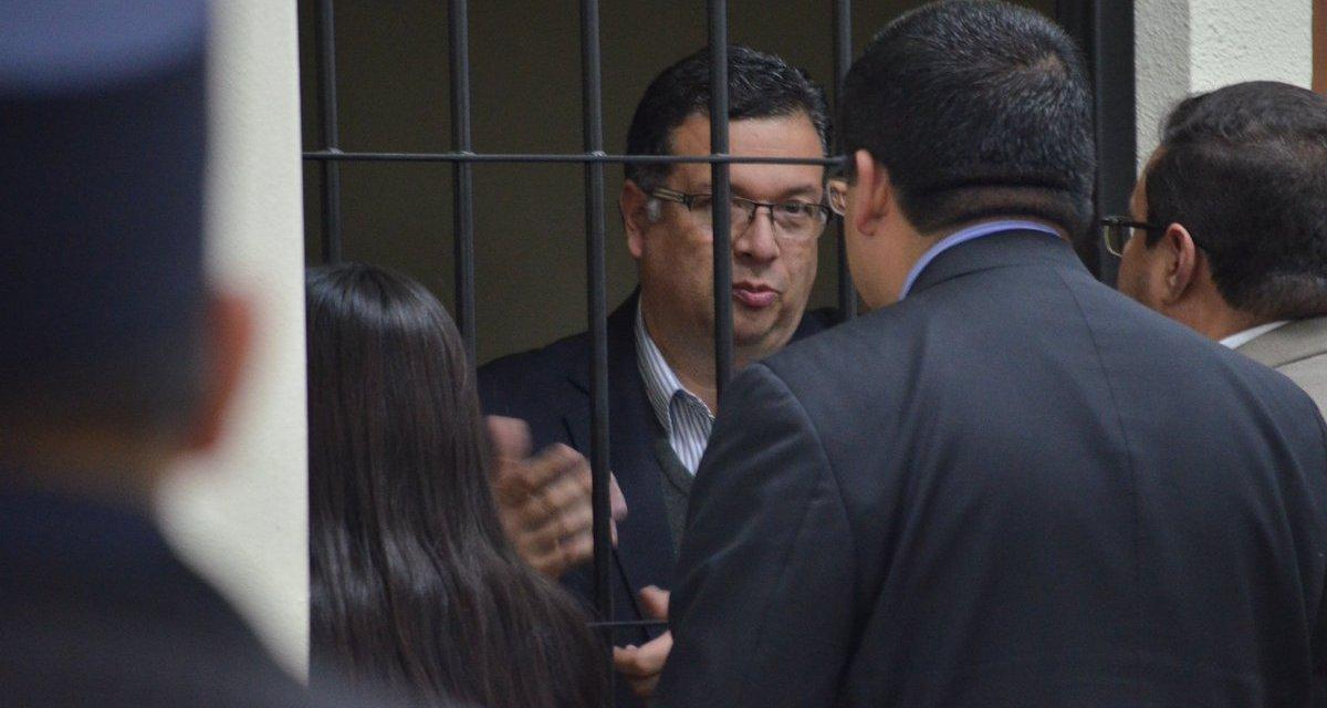 Exfuncionarios públicos de Quetzaltenango, aún permanecen en prisión