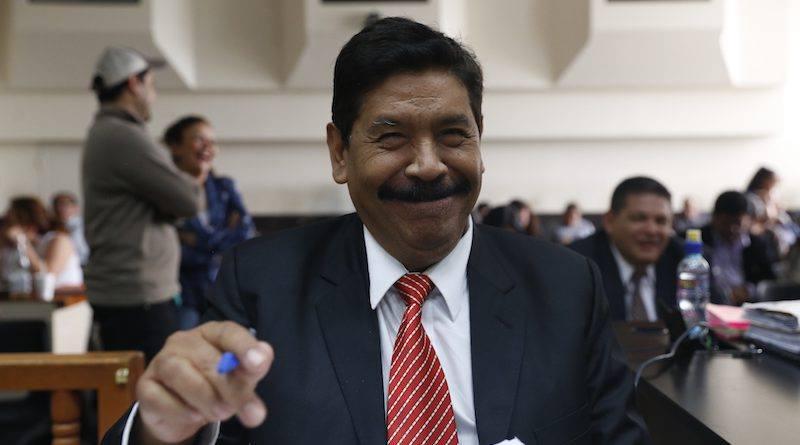 Exalcalde de Antigua Guatemala, Adolfo Vivar, fue beneficiado en ausencia de CICIG