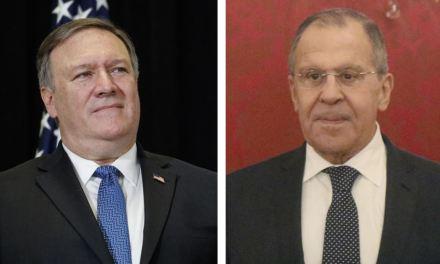 El canciller ruso anuncia que hablará el martes con Pompeo sobre Venezuela