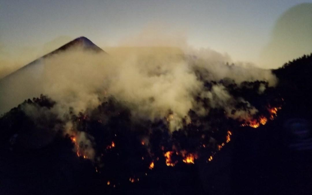 Nueve días duran trabajos para controlar incendio en cerro Candelaria