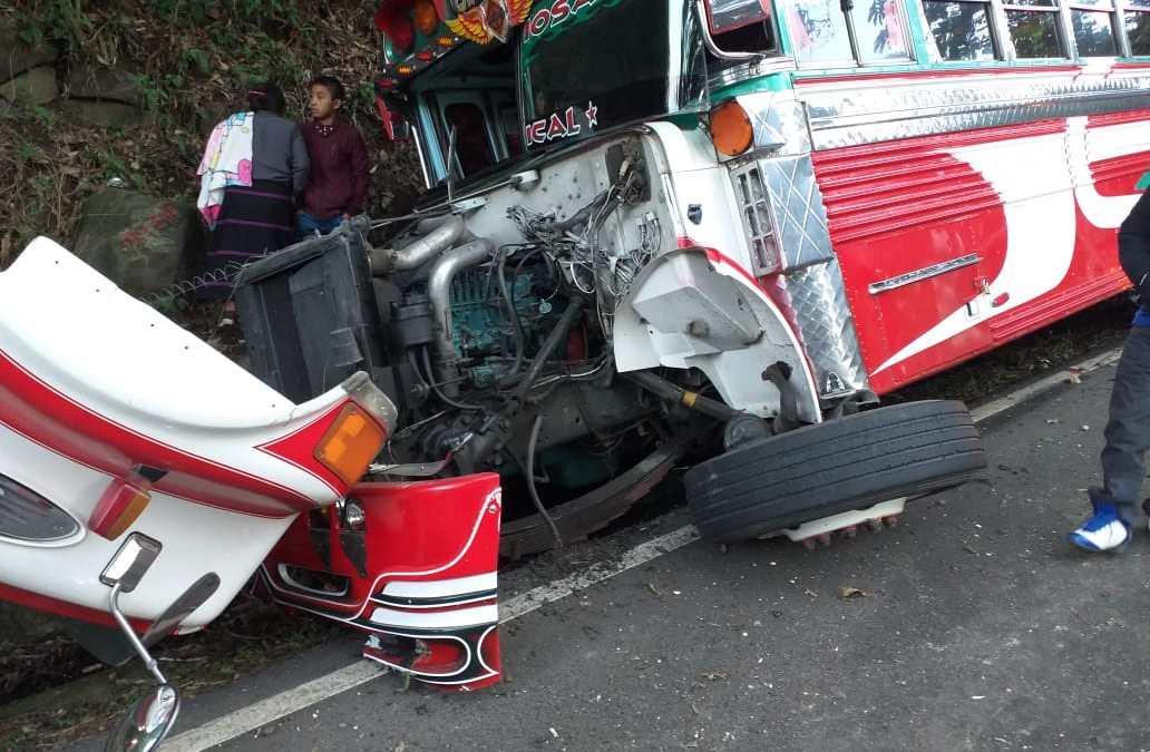 Mujer muere tras percance vial de bus en ruta Cito-Zarco