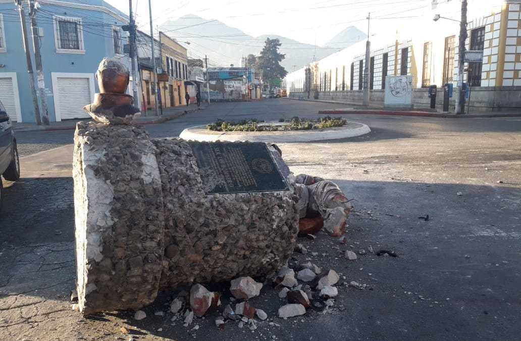 ¿Qué pasará con la reconstrucción del Monumento Al Bombero?