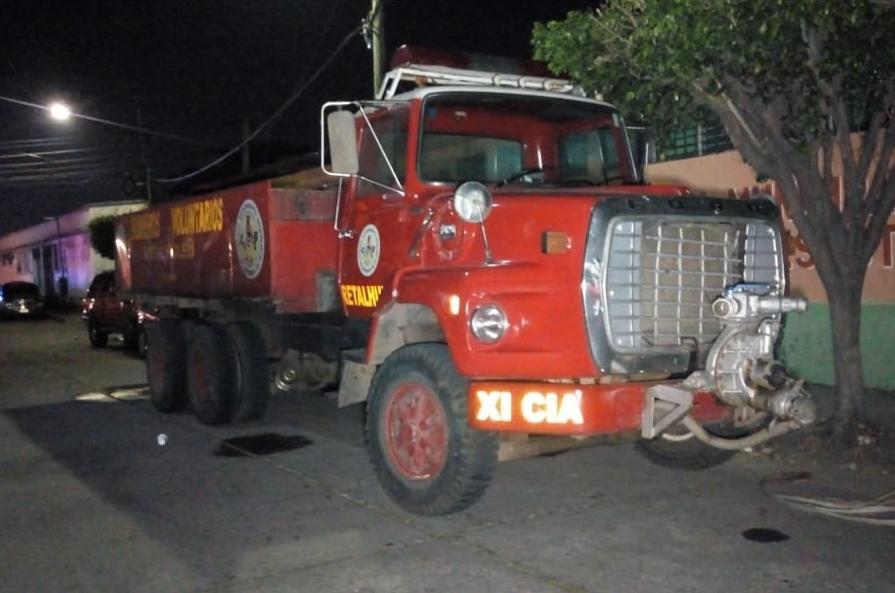 Bombero fue detenido por la PNC, luego de accidente provocado por joven ebrio