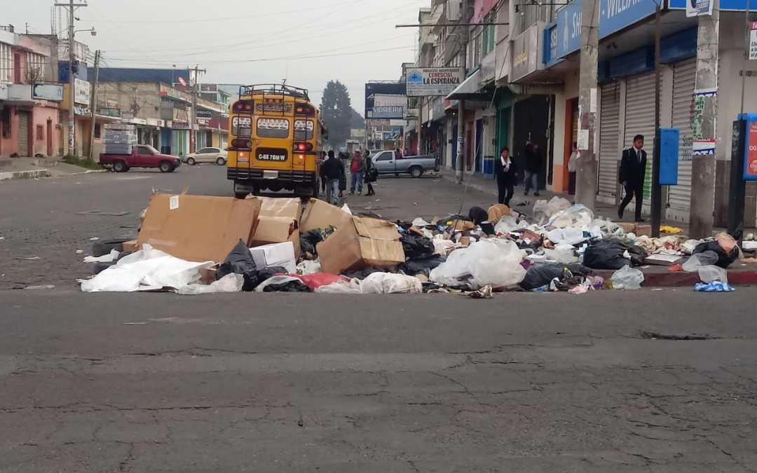 Estudiantes recolectan 12 toneladas de basura