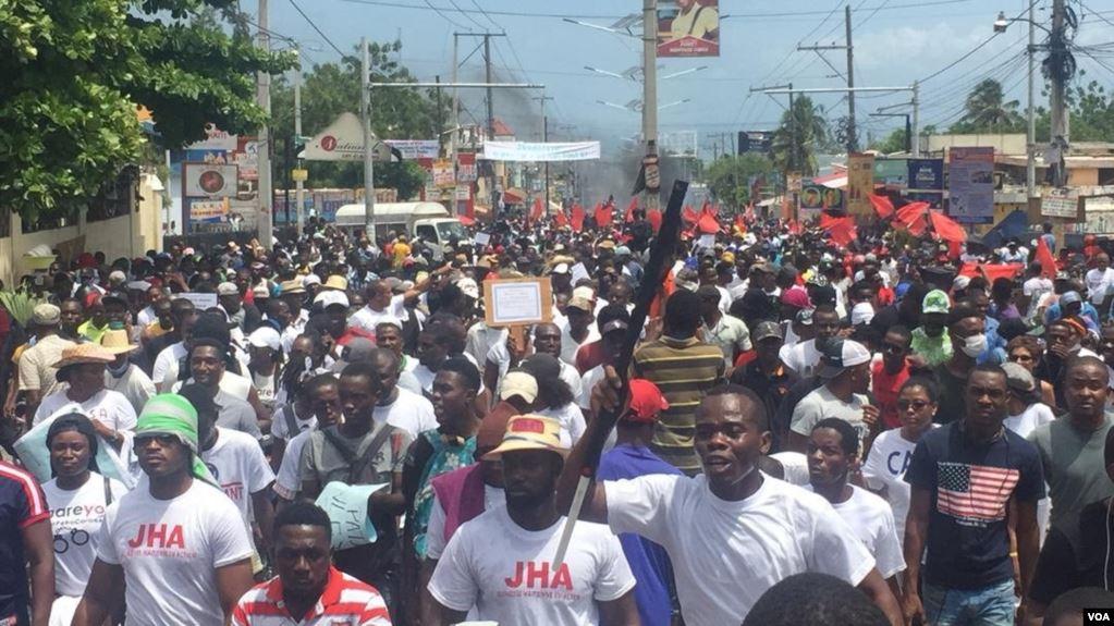 Masivas manifestaciones anticorrupción en Haití dejan dos muertos